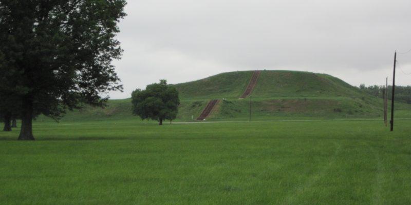 monks_mound_cahokia_3978a